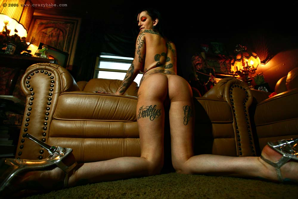 Free nude tattoo girl pic links